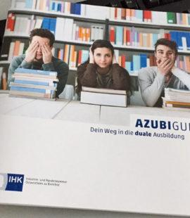 Azubi-Guideder IHK Ostwestfalen liefert Dir auf 38 Seiten Infos in kompakter Form zu Themen wie (Online-)Bewerbungen, den Tücken des Vorstellungsgespräches, Rechte und Pflichten während der Ausbildung, Hilfestellung bei Problemen in der Ausbildung, Weiterbildungen, und und und